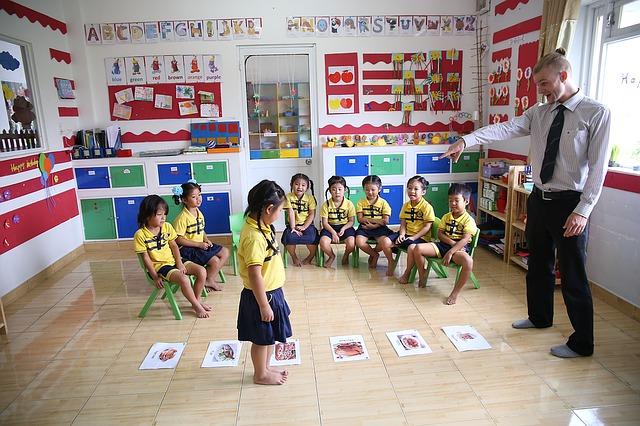 učitel ve školce