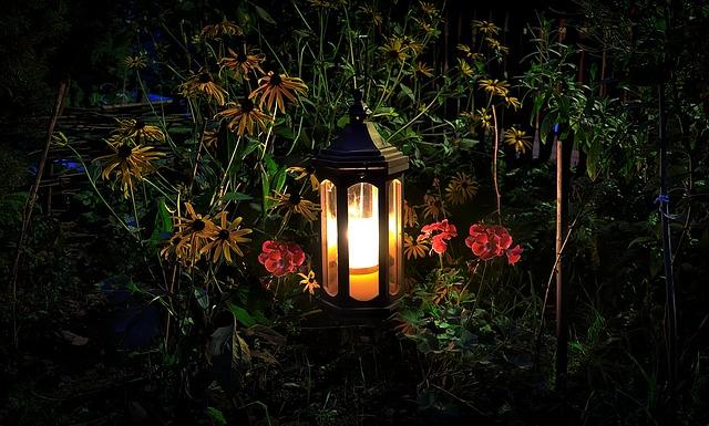 lampa u květin
