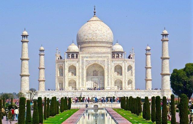 Taj Mahal, Agra, Indie.jpg
