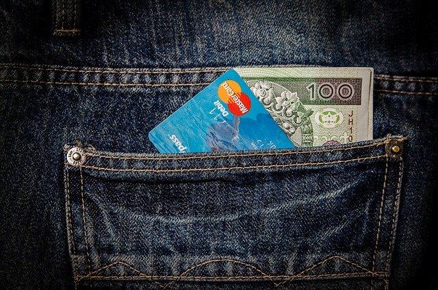 Peníze a kreditní karta