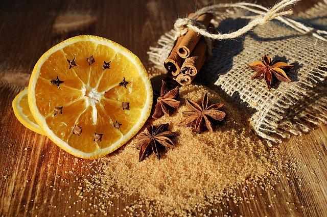 anýz, pomeranč, hřebíček